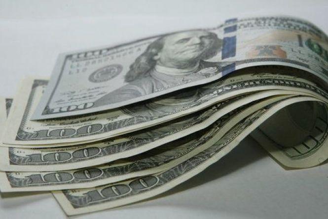 Курс долара наближається до позначки 28 грн/дол.