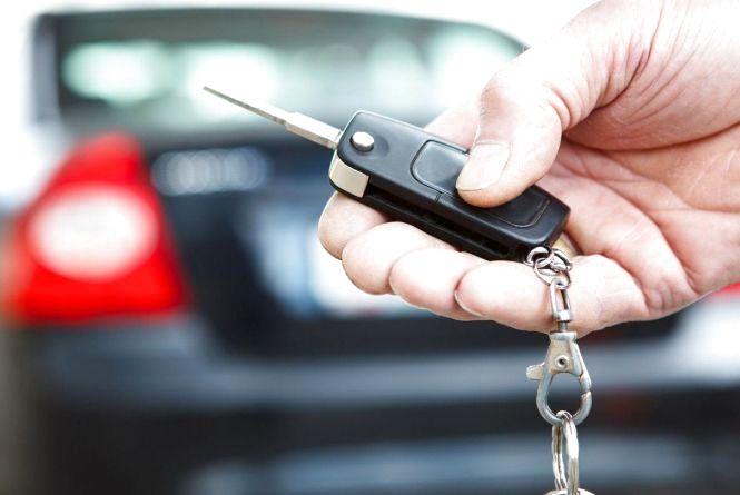 Житомирські митники затримали авто з підробленими документами