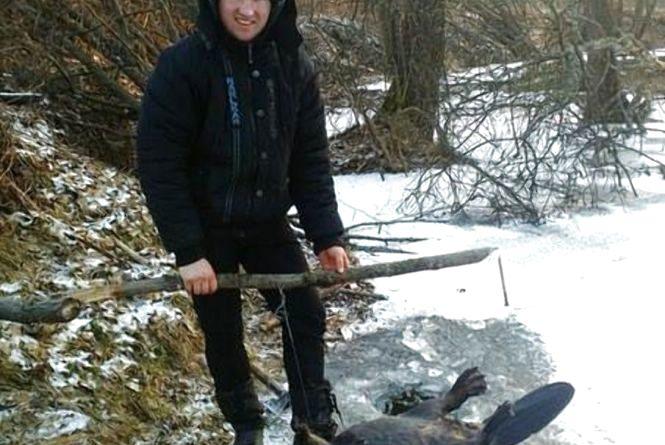 Студент ЖНАЕУ Юрій Ваховський за тиждень знищив 4 бобрів