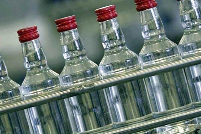 Вилучено 7 тисяч літрів алкоголю, який незаконно виготовляли та збували на Житомирщині