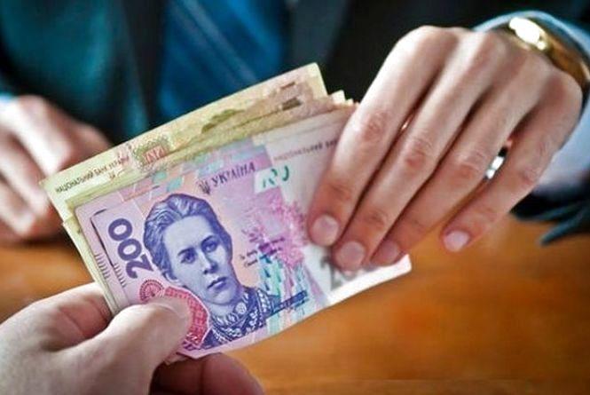 Виплата заробітної плати має проводитися не менше двох разів на місяць