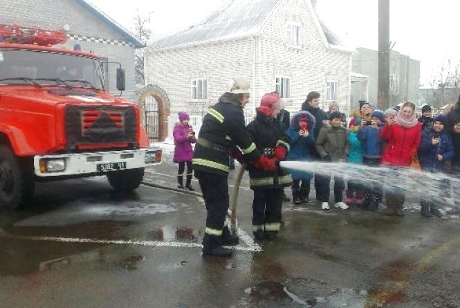 Школярі гасили пожежу, на щастя, умовну
