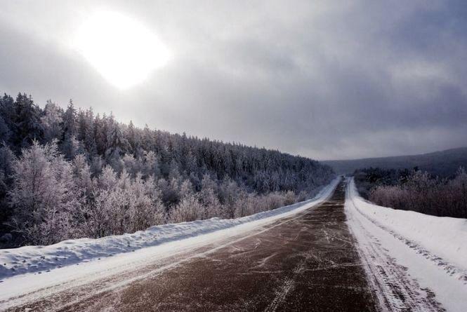 Дорожники запевняють:  на шляхах Житомирщини рух автомобілів забезпечено