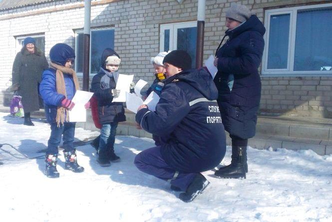 Рятувальники провели піший профілактичний рейд сільськими вулицями