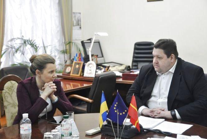 У Житомирі голова ОДА Ігор Гундич та замміністра економіки Наталія Микольська обговорили питання передачі земель ОТГ