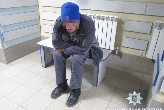 У Бердичеві поліцейські охорони затримали кишенькового злодія