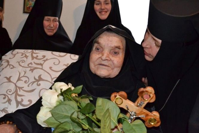 У лікарні ім. О.Ф. Гербачевського відновили зір 107-річній схимомонахині Іоанні