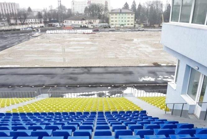 На стадіоні «Полісся» в Житомирі розпочнуть готуватися до встановлення накриття трибуни
