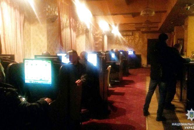 У Житомирі виявили масові порушення у роботі лотерейних закладів