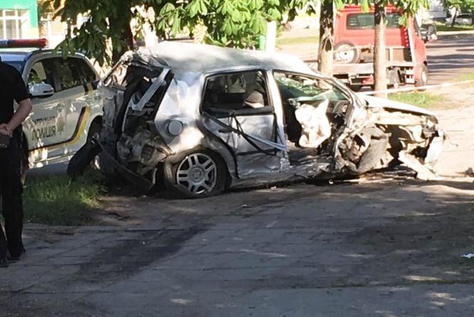 Подробиці моторошної ранкової аварії у Житомирі. ВІДЕО