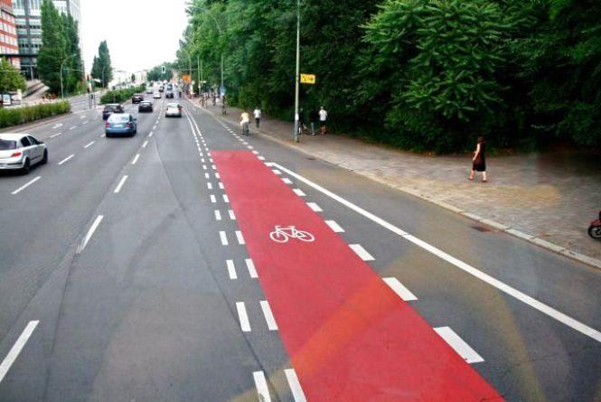 Житомиряни просять влаштувати велодоріжки та обладнати тротуари за європейськими стандартами