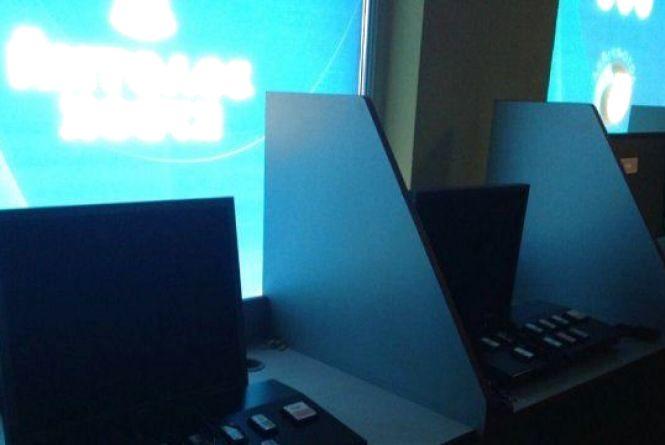 У нелегальному гральному закладі в Малині, що діяв під вивіскою «Лото-забава», вилучено 27 комп'ютерів