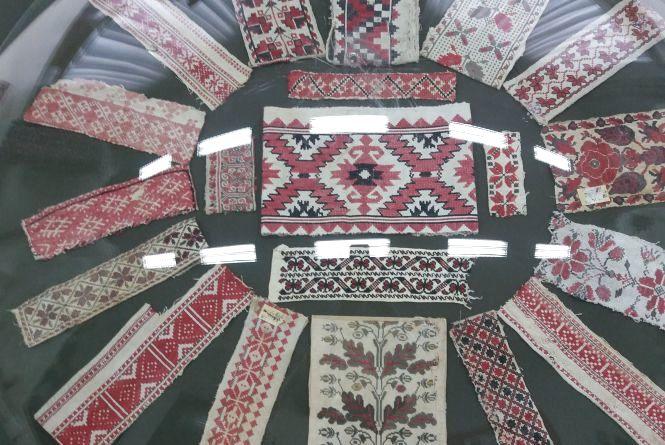 До Дня вишиванки Житомирський краєзнавчий музей відкрив експозицію унікальних робіт