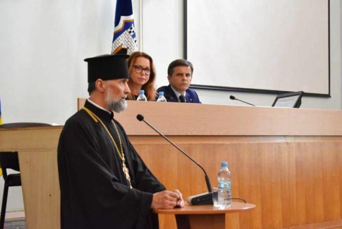 Представники духовенства звертаються до вищих органів влади щодо захисту інституції сім'ї