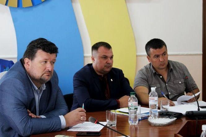 Депутати облради погодили виділення коштів медичним закладам та звернення до вищих органів влади