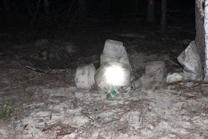 На Словечанщині затримали копачів бурштину, які намагалися видати себе за відпочивальників