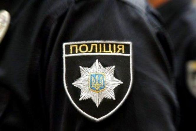 Кримінальний дайджест: один молодик вкрав каблучку в односельчанки,  інший - мобільник