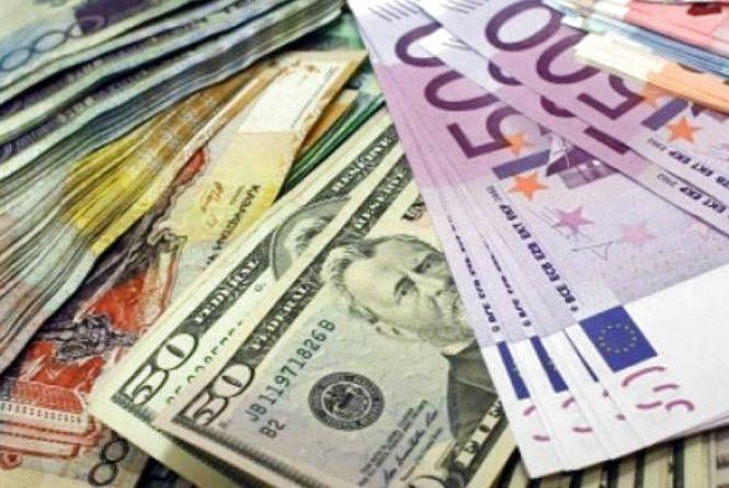 Курс валют на 18 червня: долар здорожчав, євро подешевшав