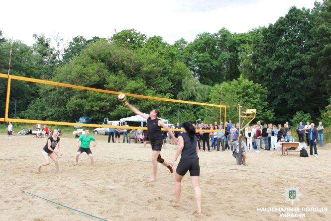 У Житомирі правоохоронці започаткували турнір з пляжного волейболу пам'яті загиблого колеги