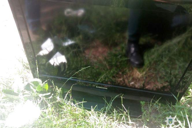 У Житомирі розшуківці затримали на ринку іноземця з краденим телевізором