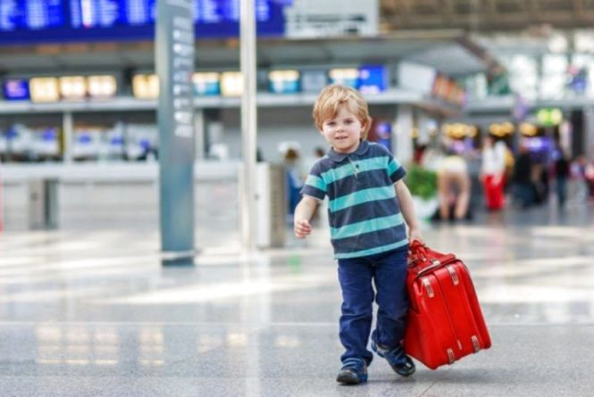 Відтепер ніяких дозволів: нові правила виїзду дитини за кордон