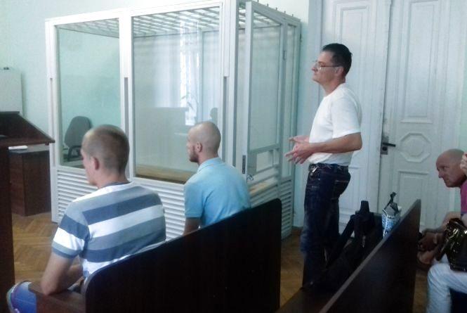 Суд у справі нападу на житомирського журналіста вже десятий раз переноситься. ВІДЕО