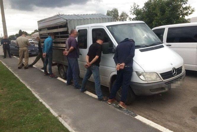 На Житомирщині СБУ знешкодила злочинне угруповання рекетирів