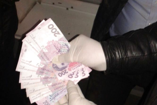 На Житомирщині до п'яти років ув'язнення засуджено слідчого-хабарника