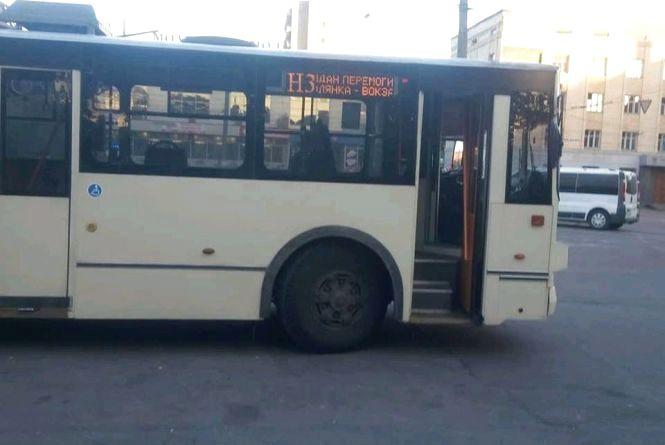 Транспортний бонус для житомирян: чи користується попитом нічний тролейбус