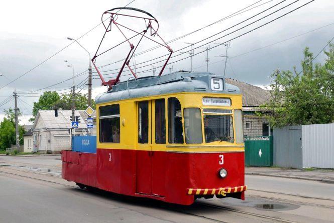 Історія на колесах: житомиряни просять зберегти трамваї старої моделі