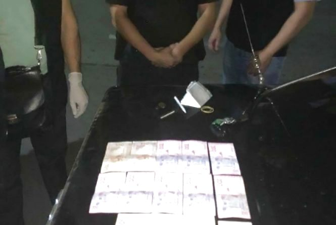 Поліцейському, який за 4 тис грн пообіцяв не карати водія за керування у стані алкогольного сп'яніння, повідомлено про підозру