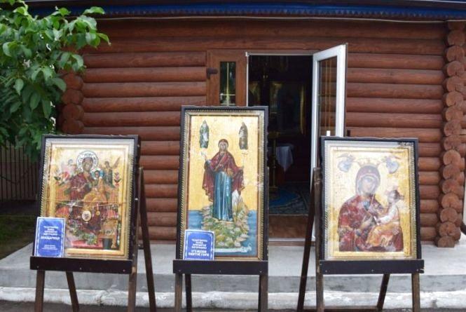 Житомирські прикордонники помолилися біля чудотворних ікон з гори Афон