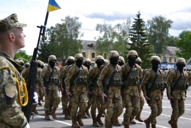 З початку року 660 жителів Житомирщини підписали контракт зі Збройними Силами України