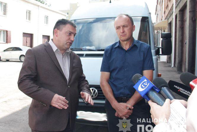 Волонтерам повернули мікроавтобус, відібраний сепаратистами у зоні АТО