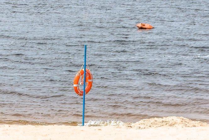 У Бердичеві на пляжі виявили труп жінки: поліція просить про допомогу