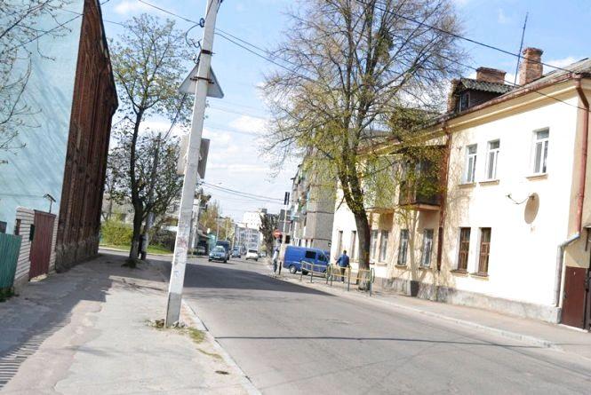 До уваги водіїв: Старовільська вулиця буде перекрита на 45 днів