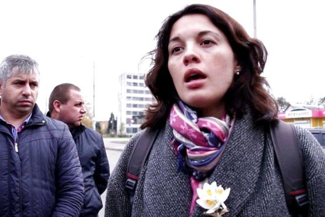 Депутатці облради Олені Галагузі подарували квартиру