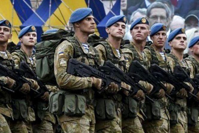 З січня 2019 року грошове забезпечення українського солдата має складати не менше 10 тис. грн – Президент