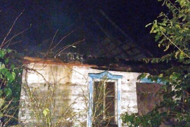 Радомишльський район: вогнеборці ліквідували загоряння даху житлового будинку