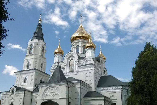 До Житомира прибуває частка Животворящого Хреста Господнього