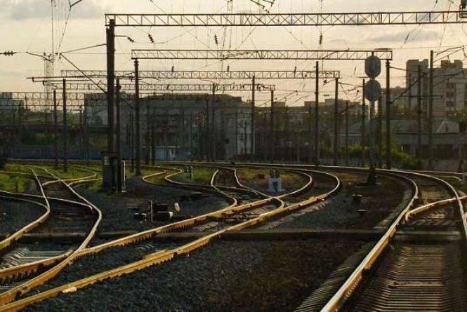 Потяг смертельно травмував бердичівлянина, який перетинав залізничні колії