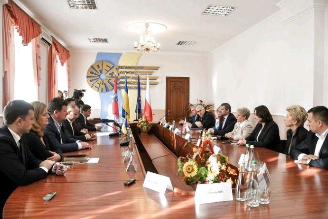 Ігор Гундич зустрівся із представниками Польщі та підписав меморандум про співпрацю із Сілезьким воєводством