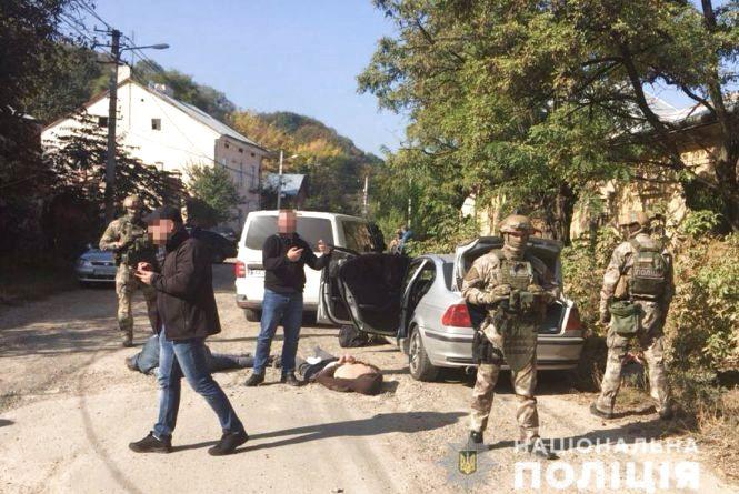 Оперативники кримінальної поліції Житомирщини затримали групу валютних розбійників