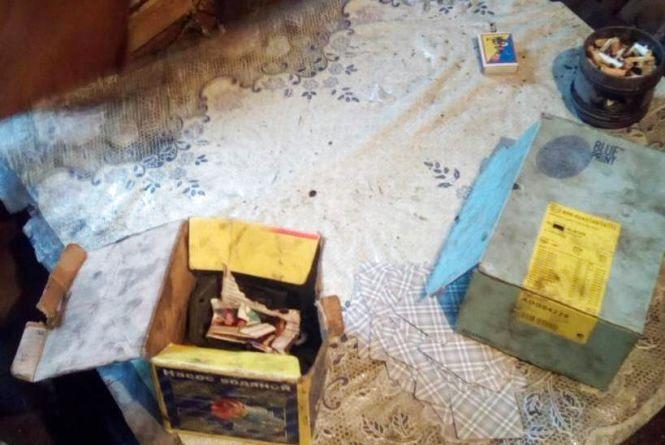 Службовий собака допоміг виявити наркотики у жителя Овруччини