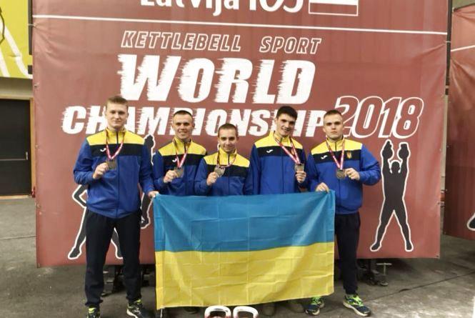 Поліцейський Євгеній Колесник – срібний призер Чемпіонату світу 2018 з гирьового спорту