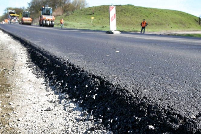 Уряд України ремонтує дороги Житомирщини