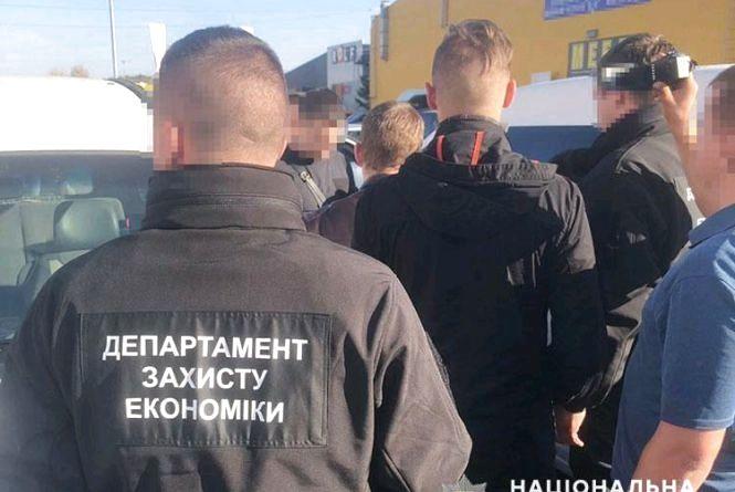 На Житомирщині поліція затримала на хабарі заступника керівника однієї з місцевих прокуратур