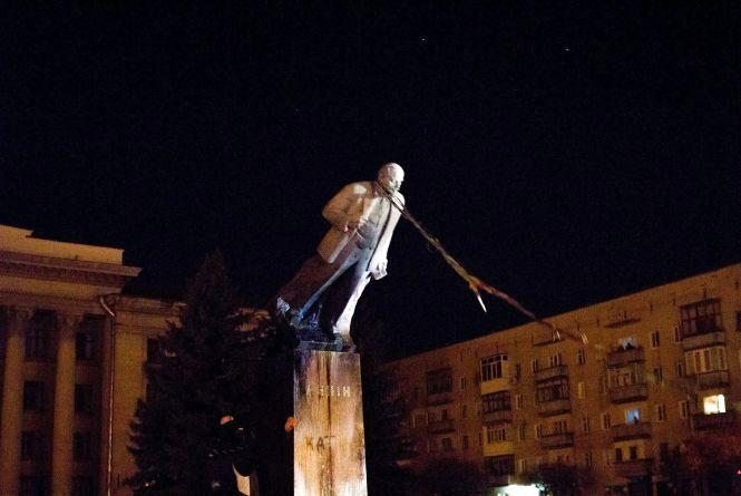 Гетьман - замість Леніна: житомиряни пропонують встановити на Соборному майдані пам'ятник Івану Виговському