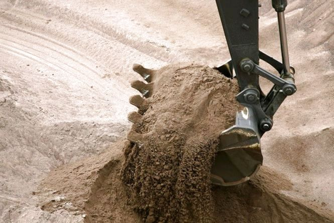 Депутати обласної ради звернуться до центральних правоохоронних органів щодо незаконного видобутку піску