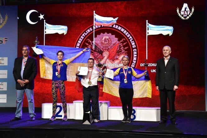 На чемпіонаті світу з пара-армрестлінгу спортсмени з Житомирщини здобули 4 медалі